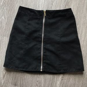 H&M suede black mini skirt